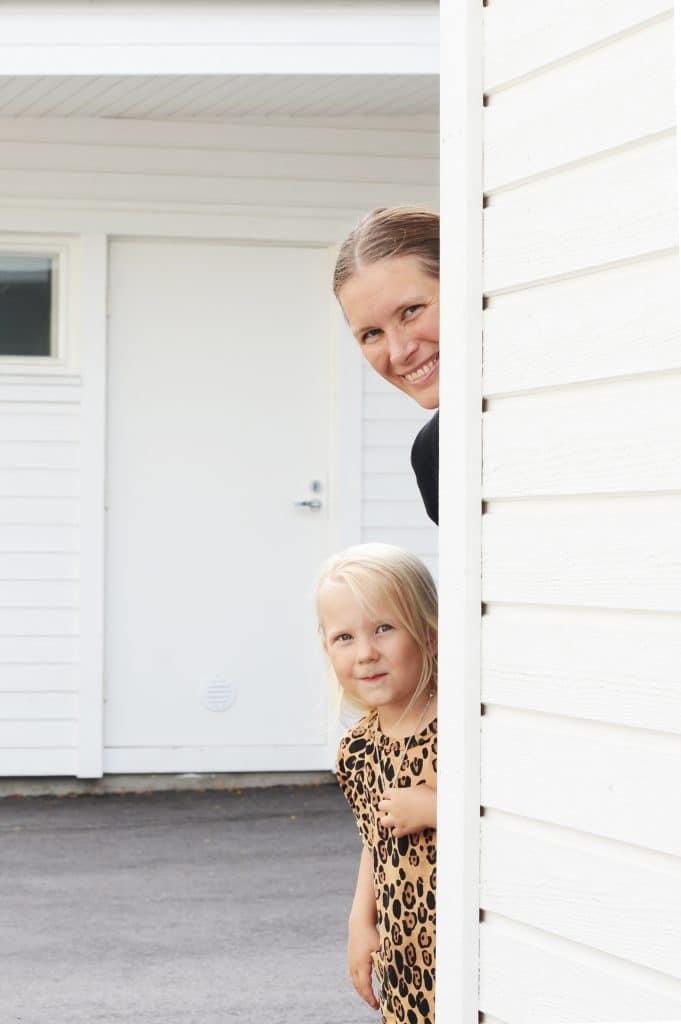 Mita-on-talouskasvatus-äiti-ja-tytär